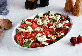 Strawberry Burrata Salad with Mint Pesto